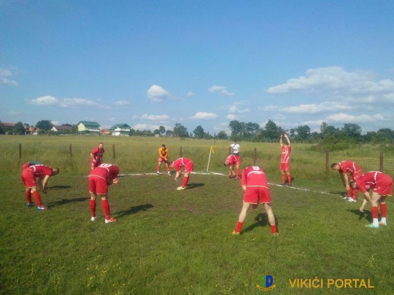 igraci_borca_zagrijavanje_pred_utakmicu