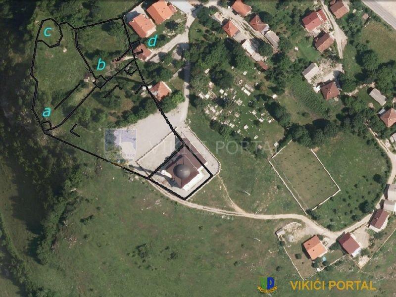 Izačić grad, satelitski snimak sa tlocrtom