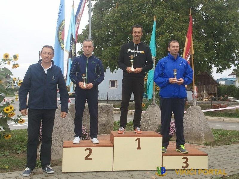 Na pobjedničkom postolju Zulić Enes iz Bihaća, prvo mjesto u Karlovcu