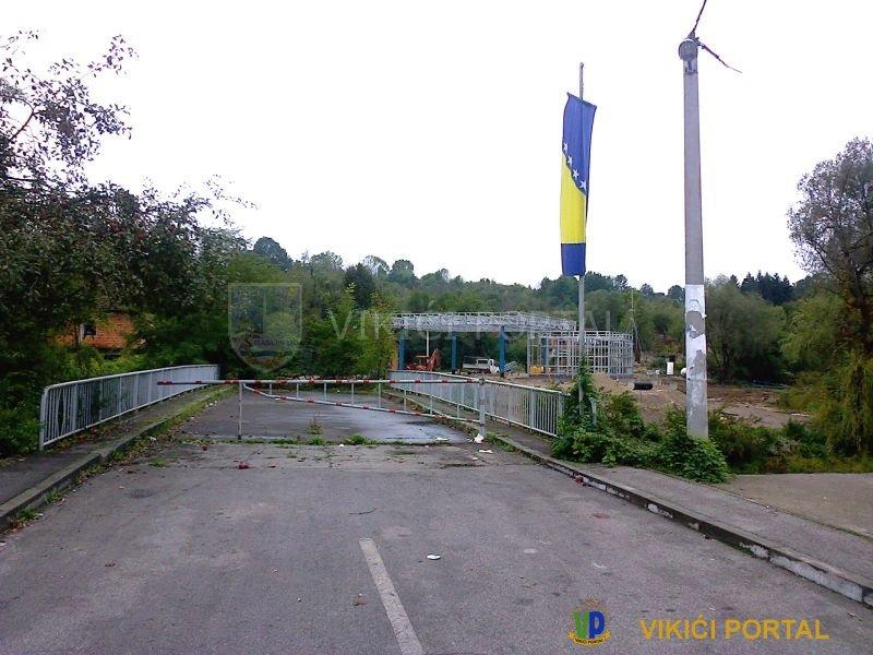 Most na rijeci Korani u Tržačkim Raštelima