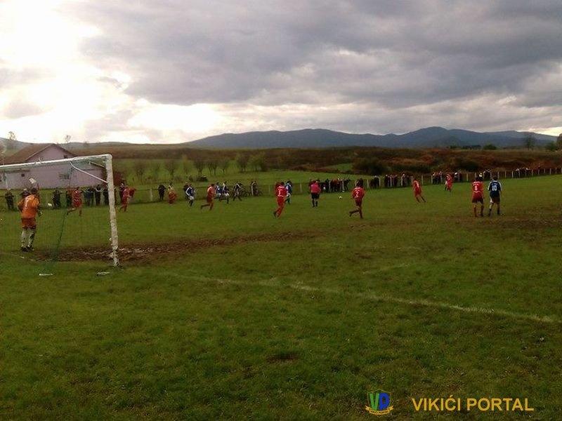 "stadion Balići, NK ""Borac"" Izačić - NK ""Vitez"" Vitez, rezultat 2:0"