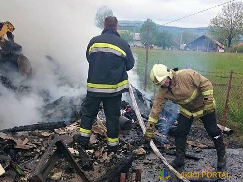 vatrogasci su samo ugasili zgarište kuće Halilagić na Izačiću