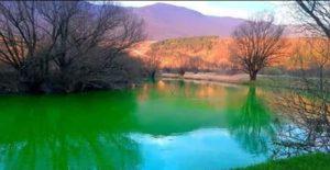 tamno zelena boja rijeke Klokot 12. mart 2020. godine