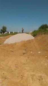 Nedavna gradnja puta preko muslimanskog groblja