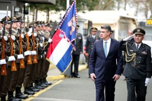 počasna predsjednička bojna i Zoran Milanović