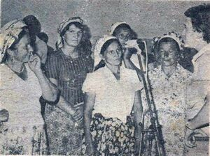 Enver Šadinlija sa ženskom pjevačkom grupom