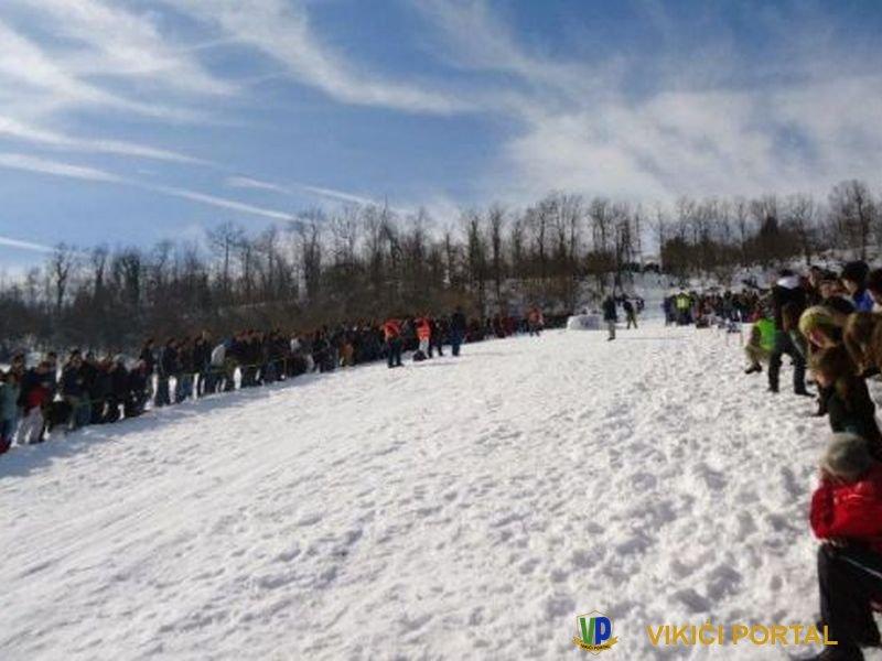 """detalj sa skijaških skokova """"Vikići 2013"""""""