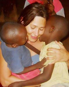 Tehvida Rekić u posjeti djeci iz Afrike